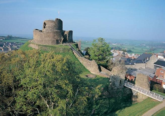 Launceston_Castle.jpg