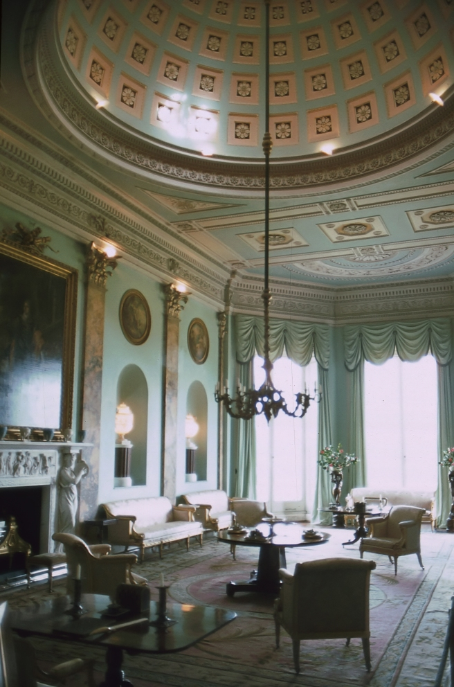 Powderham_Castle_Music_Room_01.jpg