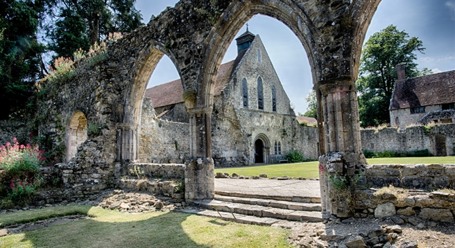 desktop-attraction_Day-Visits-Abbey_w870px_h475px.jpg